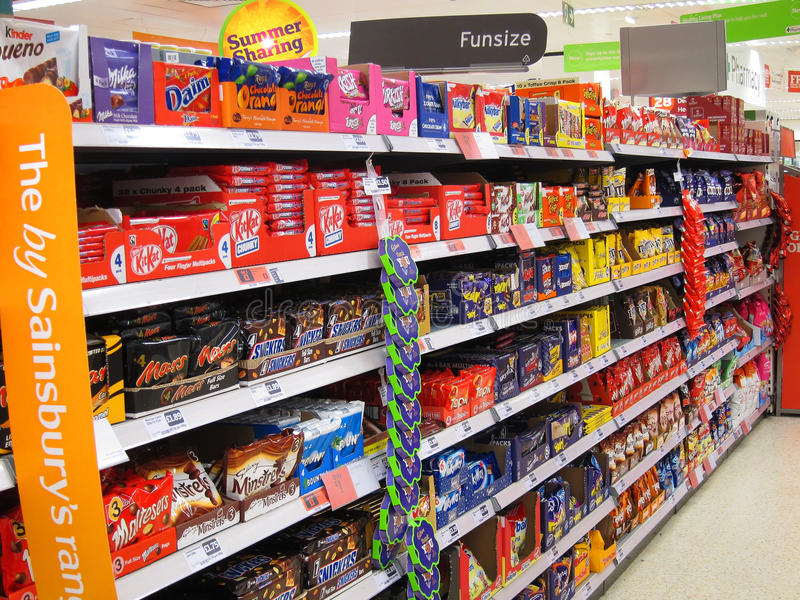 巧克力或棒棒糖在大型商场。 图库摄影