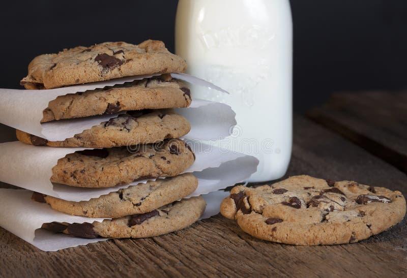 巧克力曲奇饼堆 免版税库存图片