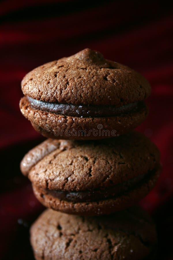 巧克力曲奇饼金字塔 免版税库存图片