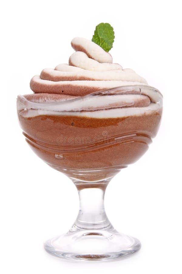 巧克力杯子查出的奶油甜点 库存图片