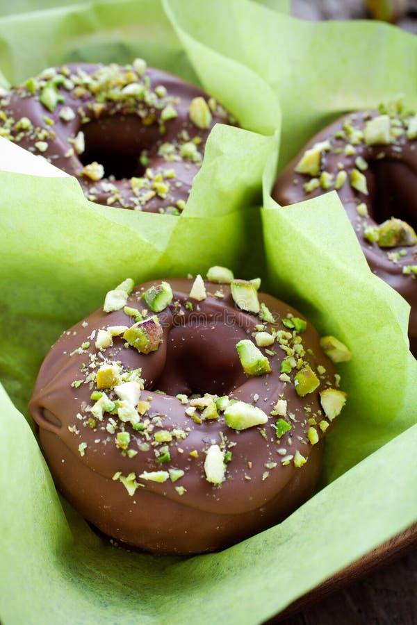 Download 巧克力油炸圈饼 库存照片. 图片 包括有 结冰, 结霜, 可口, 关闭, 特写镜头, 点心, 颜色, 巧克力 - 30338220