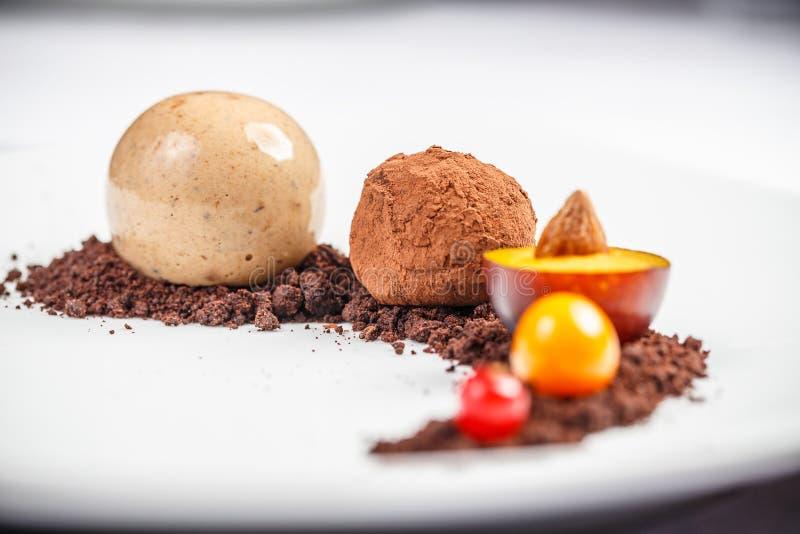 巧克力球糖果 免版税库存照片
