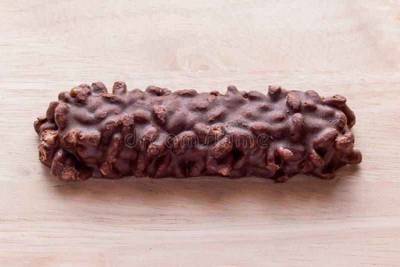 巧克力薄酥饼酒吧成份包括杏仁,腰果, cherr 库存照片