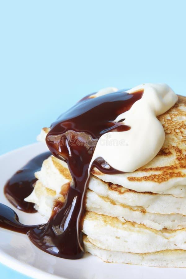 巧克力软糖薄煎饼 免版税图库摄影