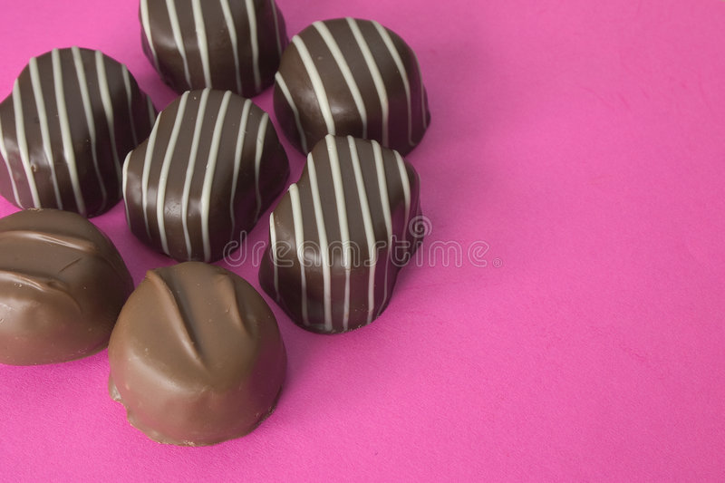 Download 巧克力 库存照片. 图片 包括有 块菌, 黑暗, 浪漫, 甜点, 附注, 食物, 礼品, 糖果, 巧克力, 言情 - 190798