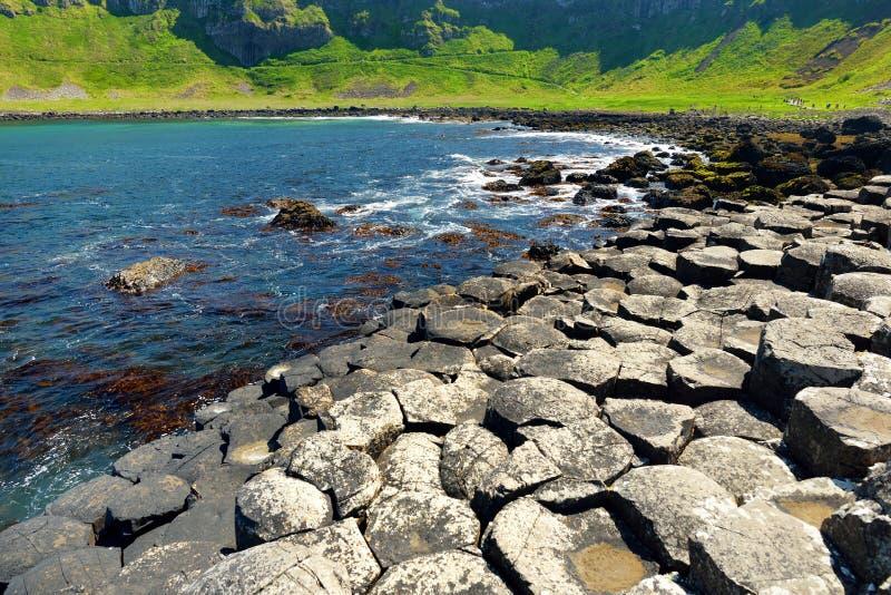 巨人堤道,六角玄武岩石头区域,安特里姆郡,北爱尔兰 著名旅游景点,联合国科教文组织世界 库存照片