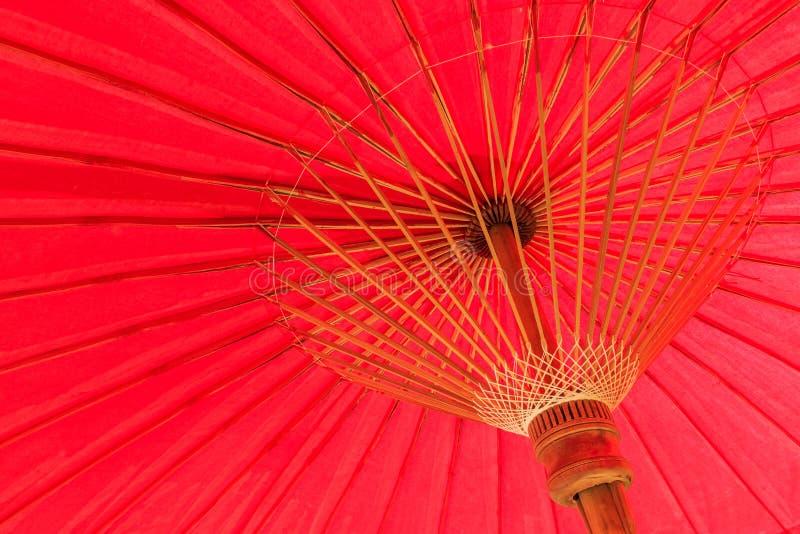 巨型大红色伞 库存照片