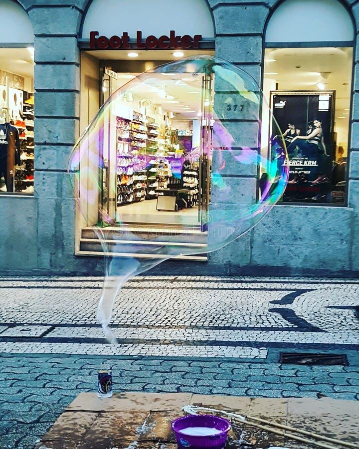 巨型泡影五颜六色的街市葡萄牙 免版税库存图片