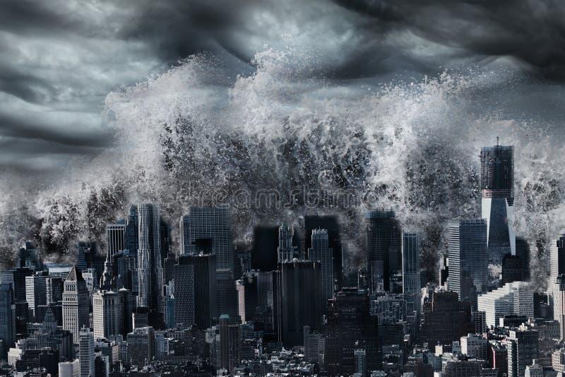 巨型海啸 免版税库存图片