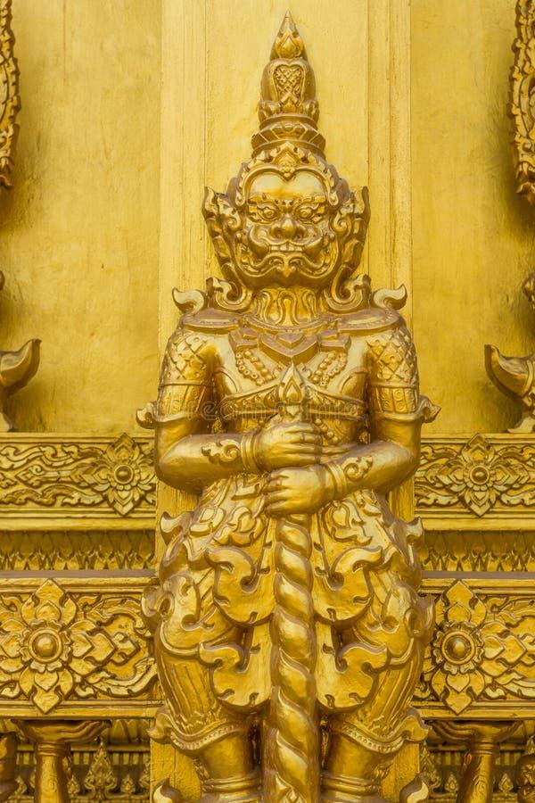 巨型金黄雕刻佛教宗教纹理