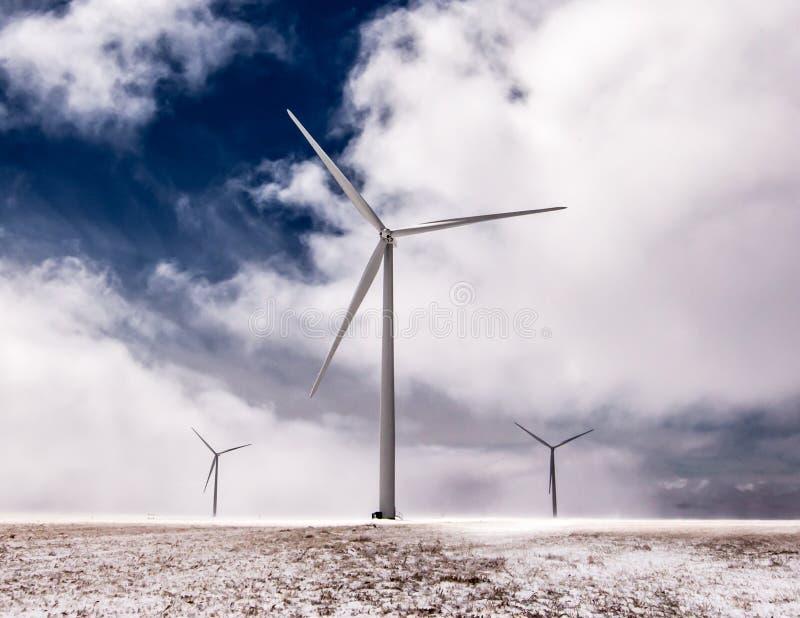 巨型风车 免版税库存照片