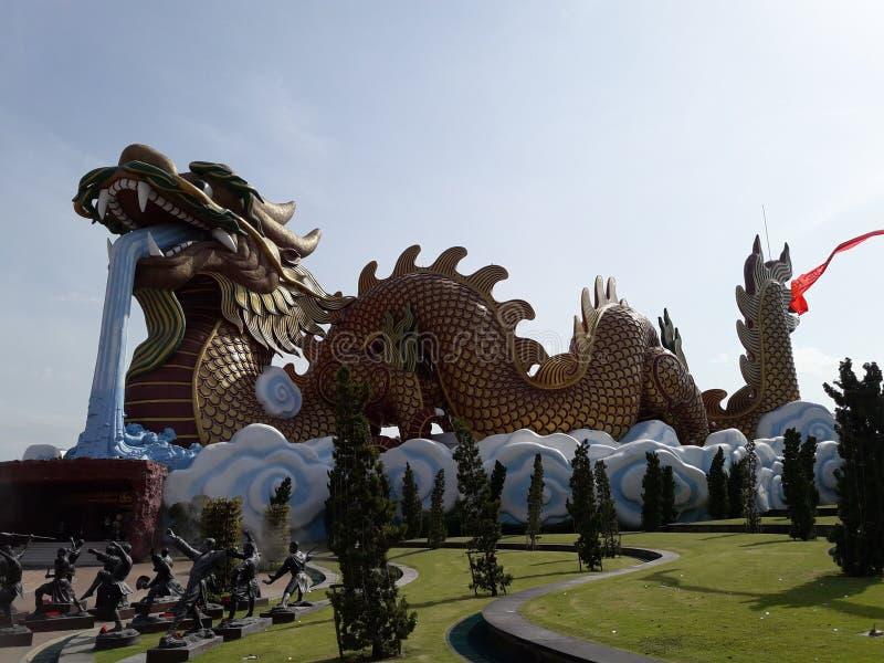 巨型龙在Suphanburi,泰国 免版税库存照片
