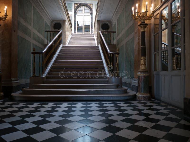 巨大的台阶在宫殿 免版税图库摄影