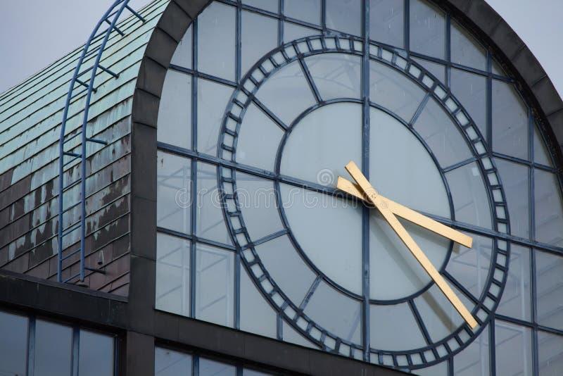 巨大的后现代主义者时钟 免版税库存图片