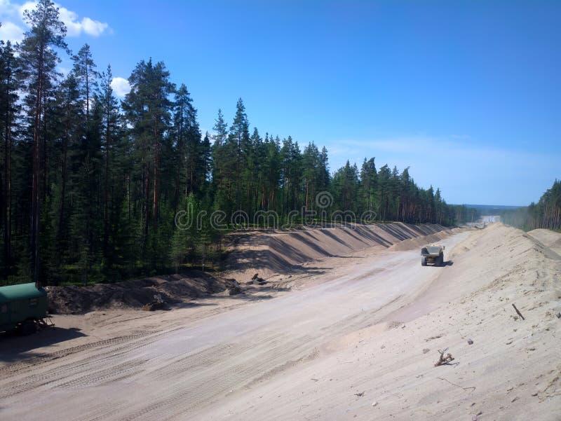 巨大的堆修路的沙子 免版税库存图片