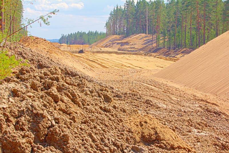 巨大的堆修路的沙子 库存照片
