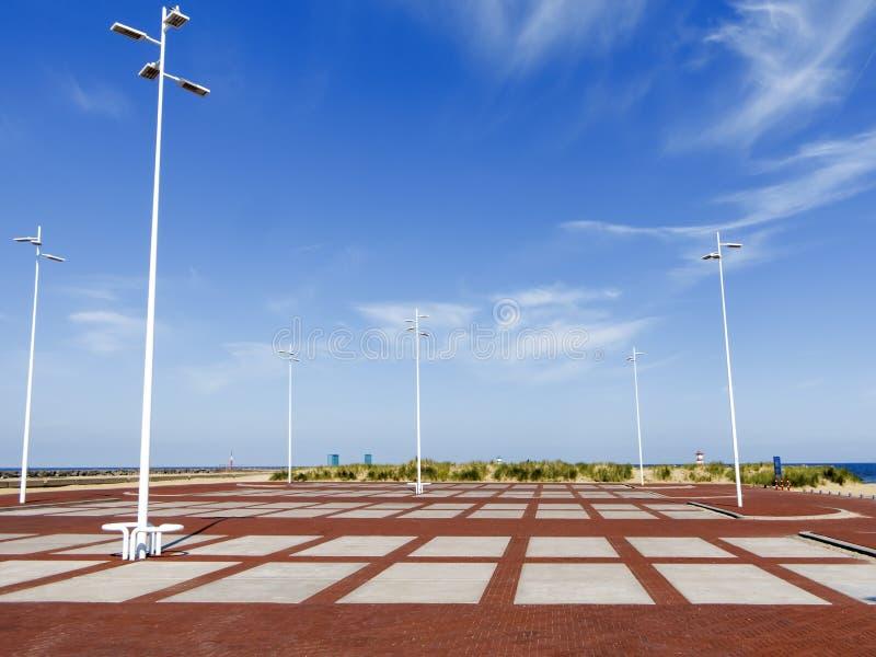 巨大的空的停车场 图库摄影