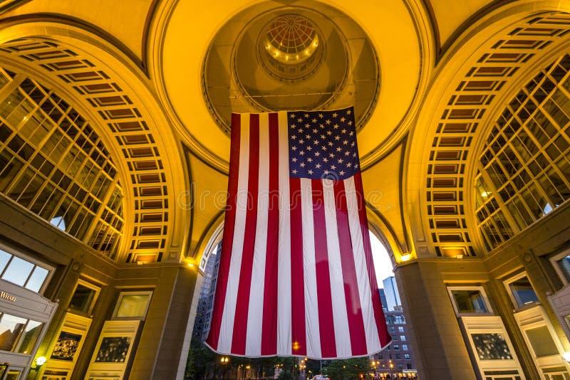 巨大的美国旗子在波士顿 库存图片