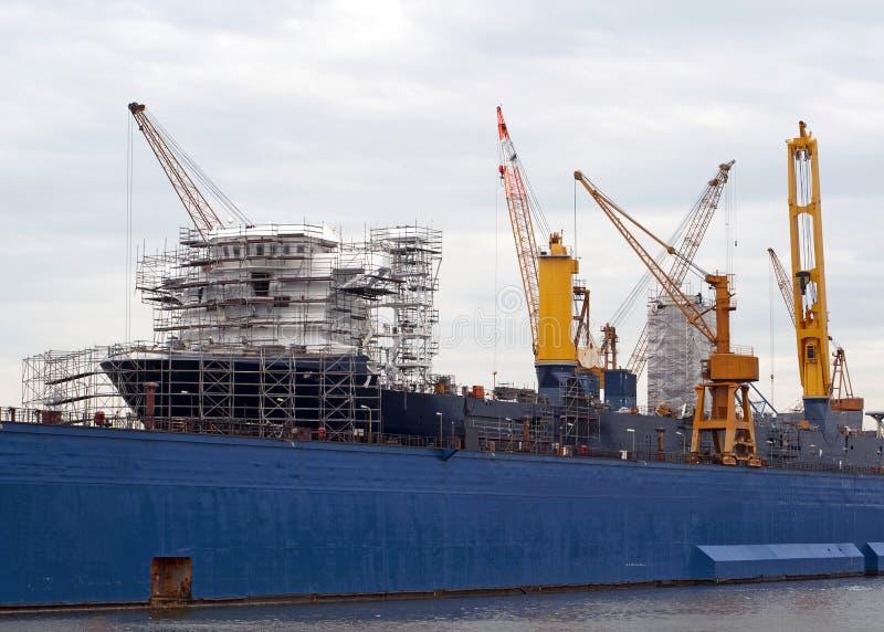 巨大的船在船坞 库存照片