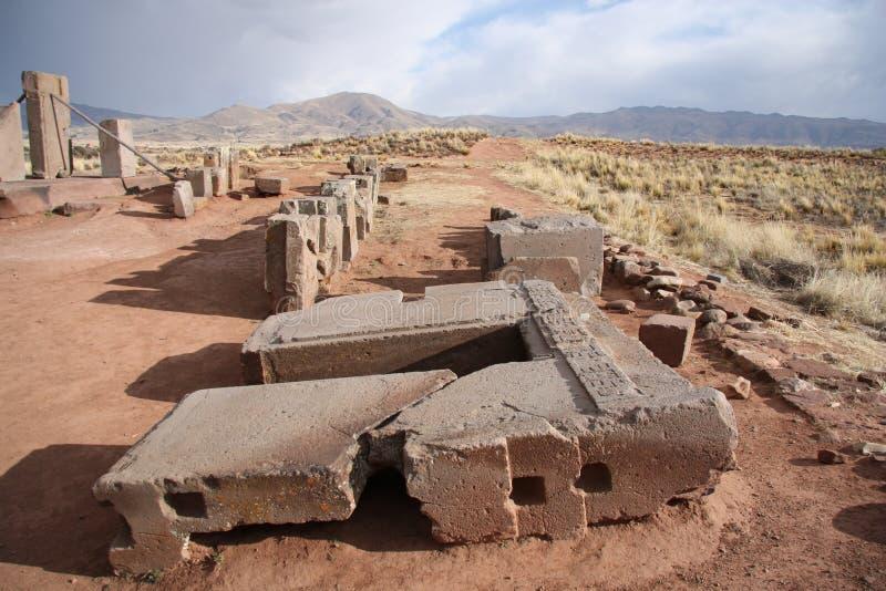 巨石石复杂美洲狮Punku,蒂亚瓦纳科废墟  免版税库存照片