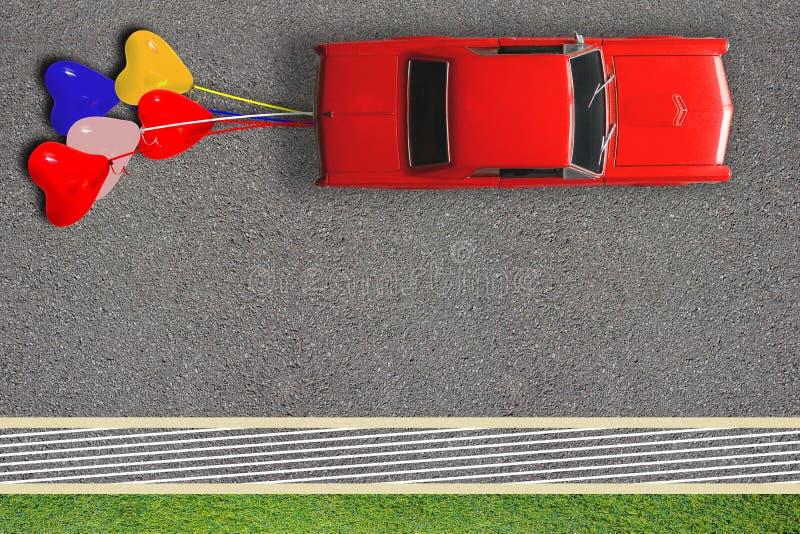 已婚婚姻的蜜月概念海报卡片 红色经典汽车和被栓的气球顶视图  路面上的拷贝空间 图库摄影