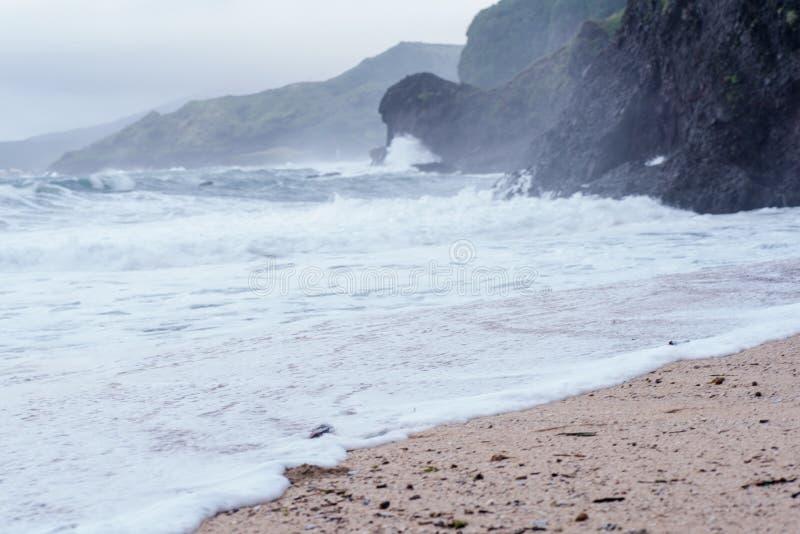 巴丹群岛省,菲律宾岩石海岸  库存照片