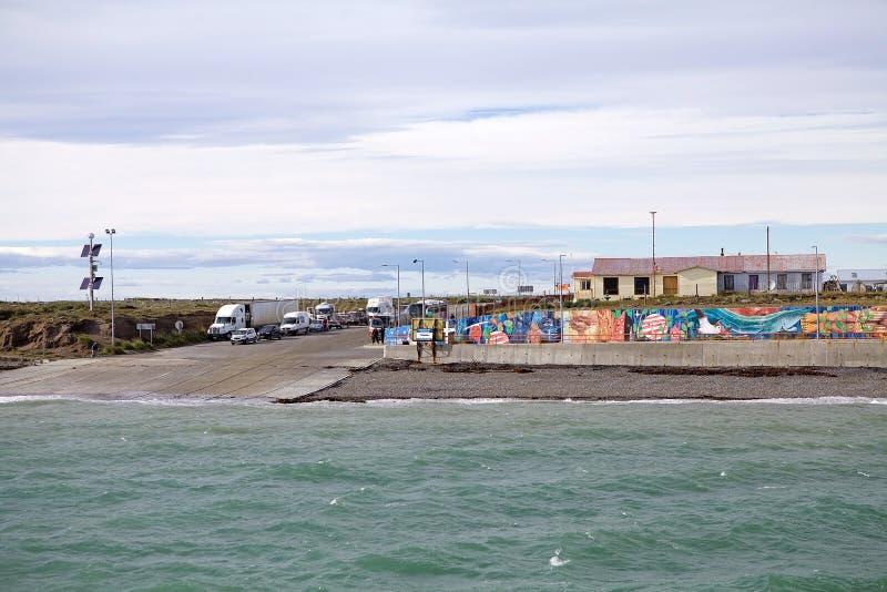 巴伊亚的Azul轮渡码头在沿麦哲伦海峡,智利的火地群岛 免版税库存照片