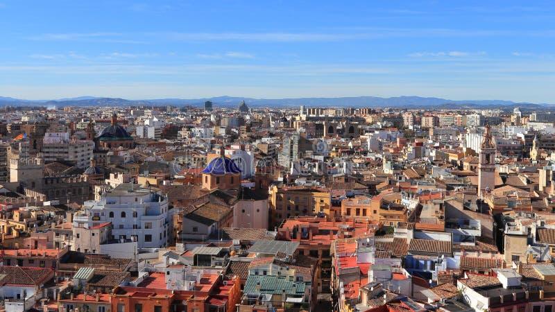 巴伦西亚,西班牙- 2018年11月27日:历史的都市风景如被看见从巴伦西亚主教座堂,La Seu de ValA nciaia 库存照片