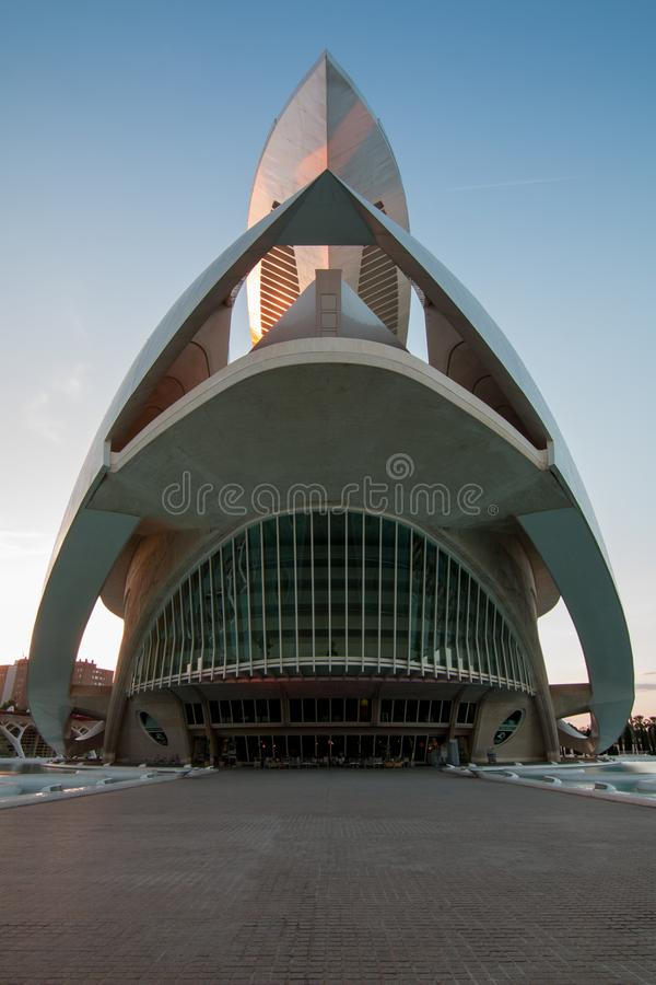 巴伦西亚,西班牙- 2019年4月28日:索菲亚王后艺术歌剧院艺术的女王索非亚宫殿,设计由卡拉特拉瓦 免版税库存照片
