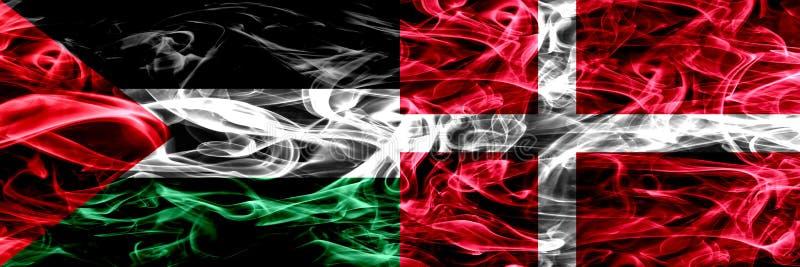巴勒斯坦对丹麦,肩并肩被安置的丹麦烟旗子 巴勒斯坦人和丹麦的厚实的色的柔滑的烟旗子,丹麦语 向量例证