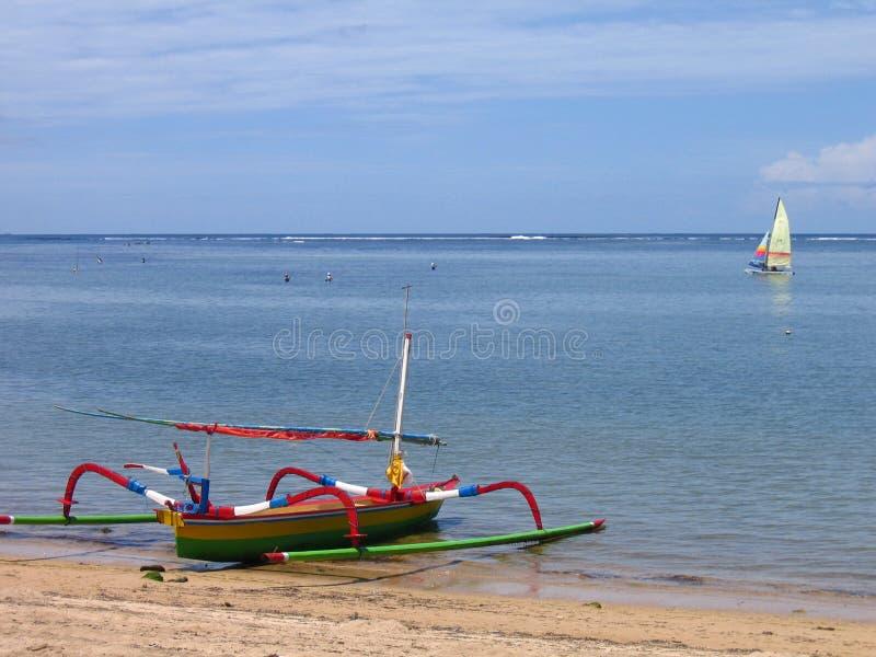 巴厘岛海滩小船sanur 库存图片