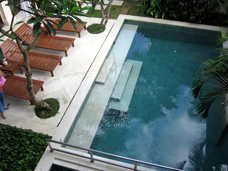 巴厘岛露台热带别墅 免版税库存照片