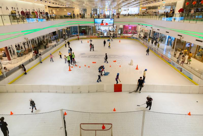 巴吞他尼府,泰国5月5,2019:Zpell或未来公园Rangsit的滑冰场是最大的购物中心在巴吞他尼府, 库存图片