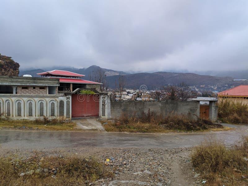 巴基斯坦纳里安阿伯塔巴德冬季 这里经常下雨,夏季的天气很好 免版税库存照片