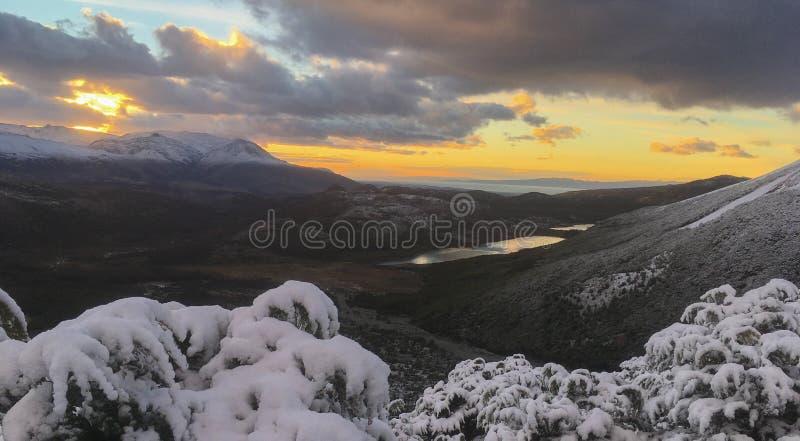 巴塔哥尼亚在山的雪日出 库存照片