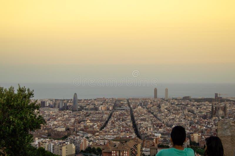 巴塞罗那从Turo Rovira,加泰罗尼亚,西班牙的地平线全景 免版税库存照片