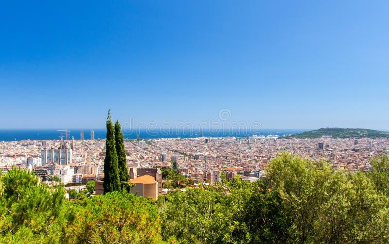 巴塞罗那都市风景,加泰罗尼亚,温泉顶面空中全景  库存图片