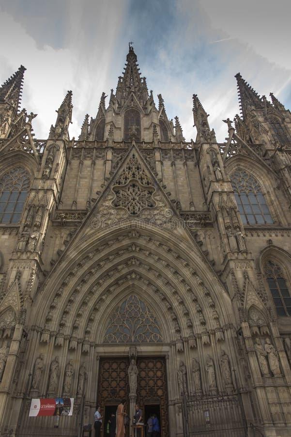 巴塞罗那,西班牙,2019年6月22日:圣徒尤拉莉亚大教堂在哥特式建筑的更加可贵的例子的巴塞罗那一 免版税库存图片