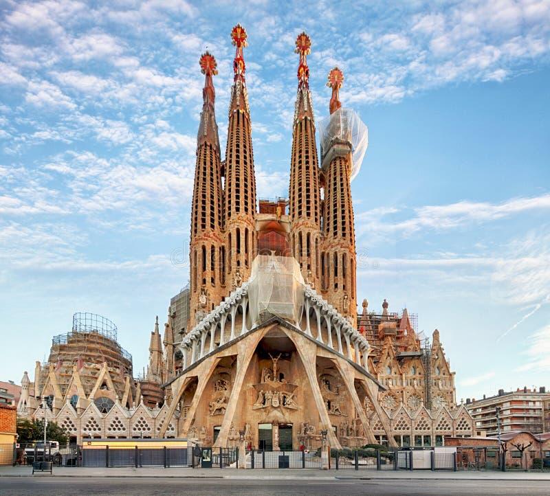巴塞罗那,西班牙- 2月10 :拉萨格拉达Familia -铭记 免版税库存照片