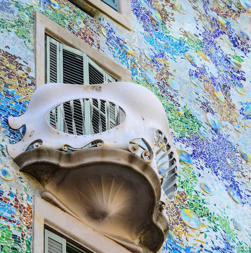 巴塞罗那- 2015年12月30日:2015年12月30日的住处Batllo在巴塞罗那,西班牙 这个著名大厦是由安东尼设计的 图库摄影