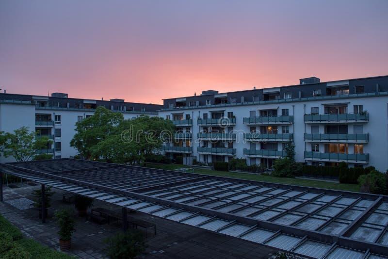巴尔火车站区壮观的日落 免版税图库摄影
