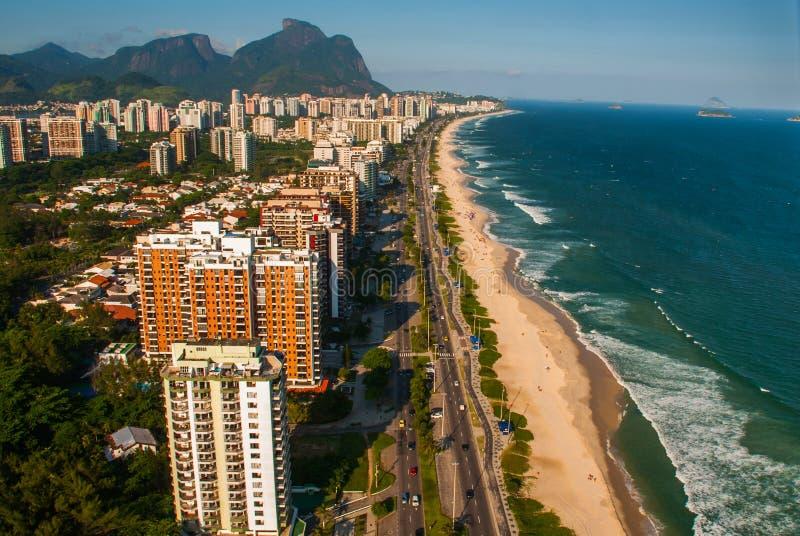 巴拉在一次直升机飞行期间的da Tijuca鸟瞰图在里约热内卢市,巴西 免版税图库摄影