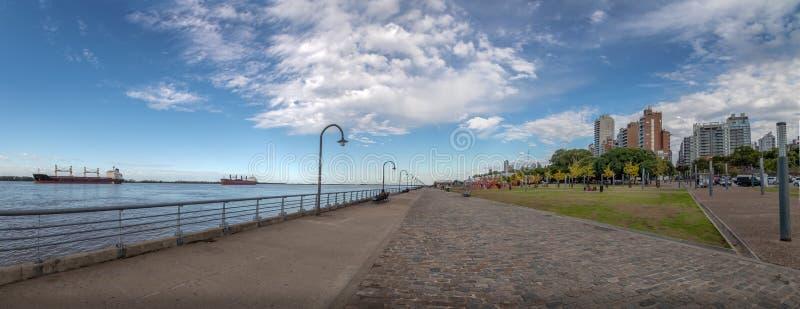 巴拉那河散步-罗萨里奥,圣菲,阿根廷全景  库存图片