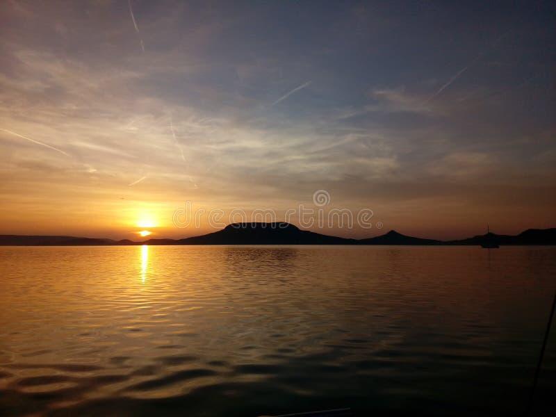 巴拉顿湖的壮丽日落美景 免版税图库摄影