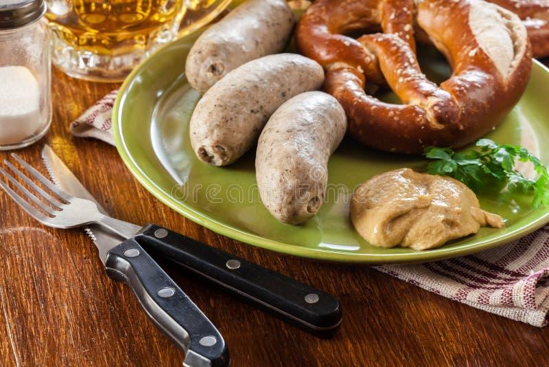 巴法力亚早餐用白色香肠 免版税库存图片