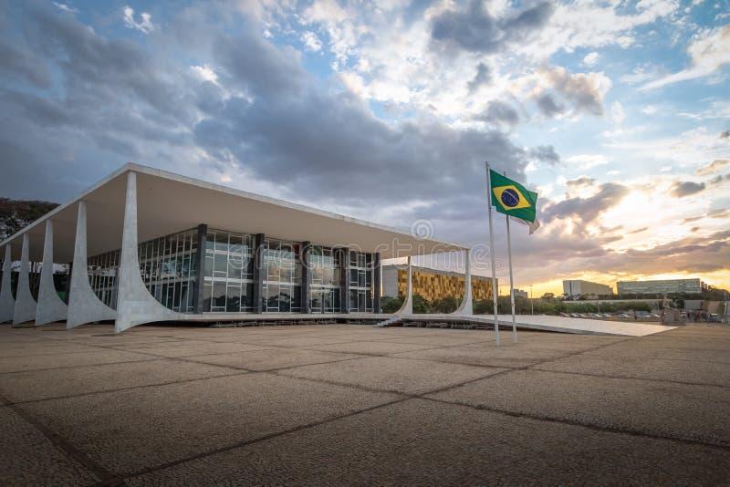 巴西最高法院-联邦Supremo的法庭-在日落-巴西利亚,联邦的Distrito,巴西的STF 库存图片