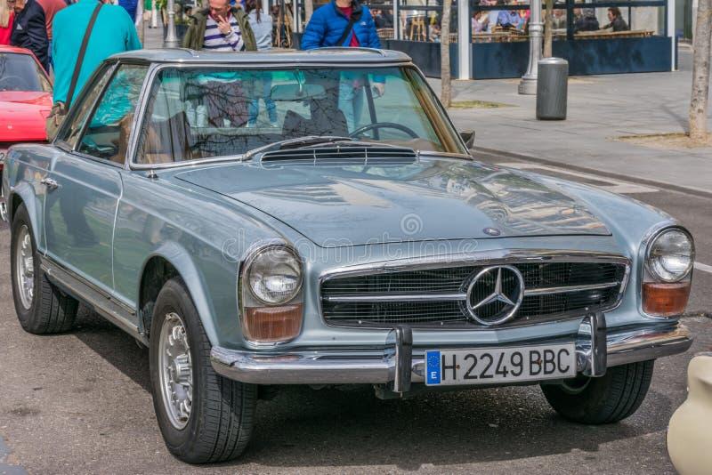 巴里阿多里德,西班牙- 2019年3月3日:经验丰富车见面 免版税库存图片