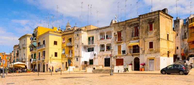 巴里,意大利老镇的建筑学  免版税库存照片