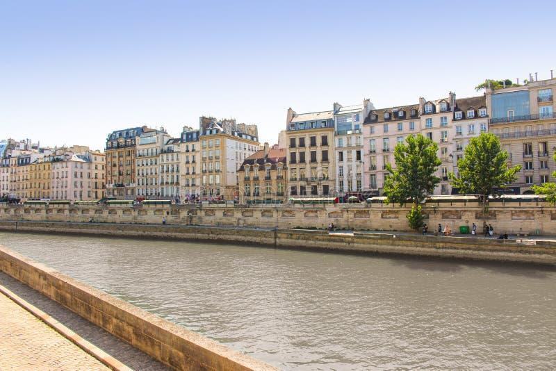 巴黎住宅建筑 库存照片