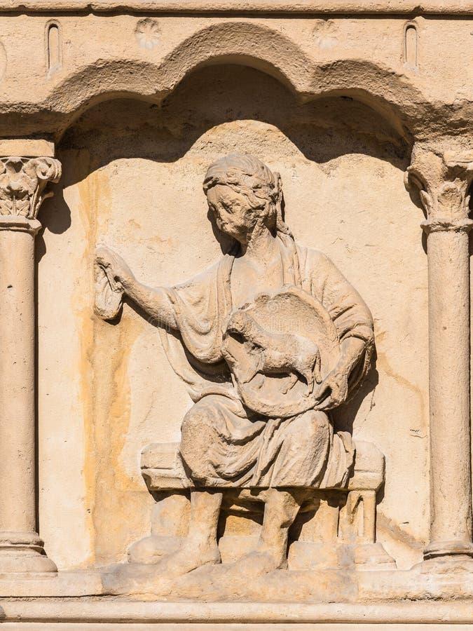 巴黎圣母院大教堂:建筑细节 巴黎, Fra 免版税库存图片